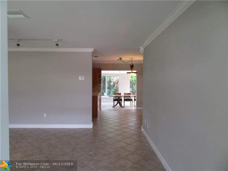170 SE 4th Ct, Pompano Beach, Florida image 5