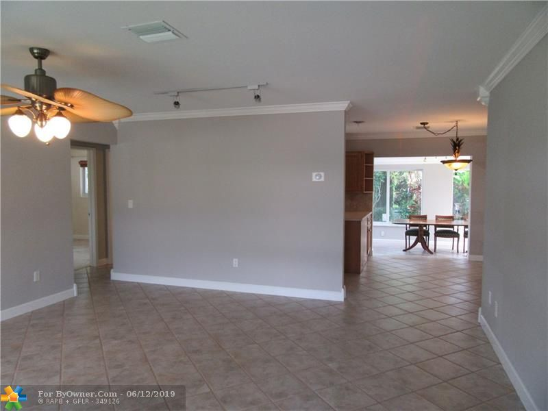 170 SE 4th Ct, Pompano Beach, Florida image 7