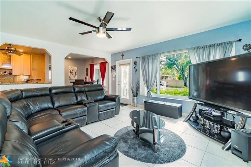 510 S 26th Ave, Hollywood, Florida image 11