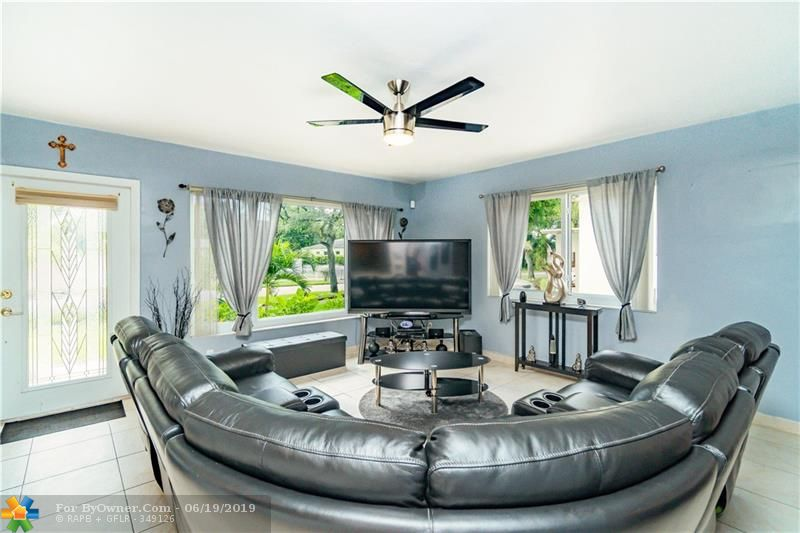 510 S 26th Ave, Hollywood, Florida image 13