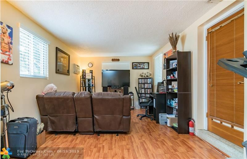 510 S 26th Ave, Hollywood, Florida image 18