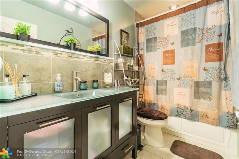 510 S 26th Ave, Hollywood, Florida image 20