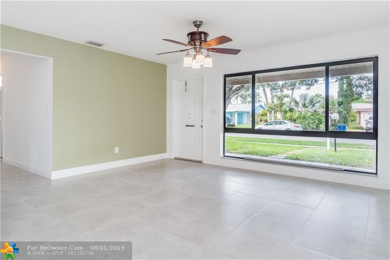 2930 NW 9th Ter, Wilton Manors, Florida image 3