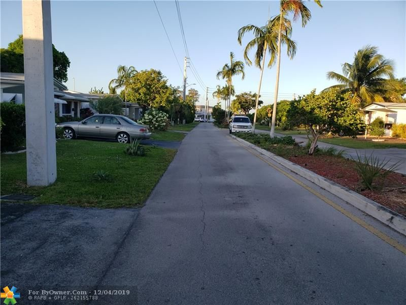 4215 NW 52nd Ave, Lauderdale Lakes, Florida image 23