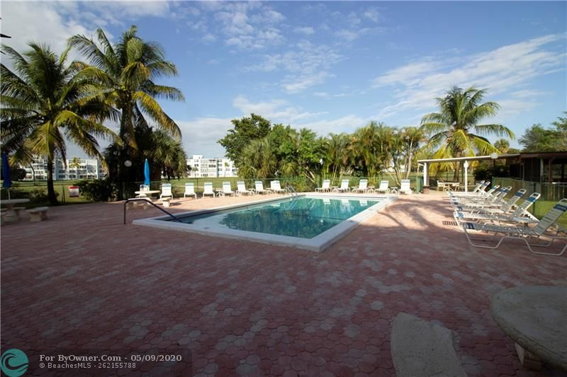 1402 NW 80th Ave #212, Margate, Florida image 3