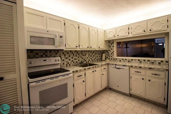 1402 NW 80th Ave #212, Margate, Florida image 5