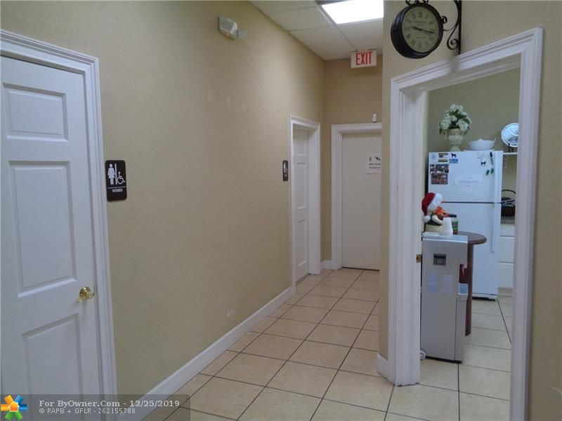 11931-11935 NW 37th St, Coral Springs, Florida image 17