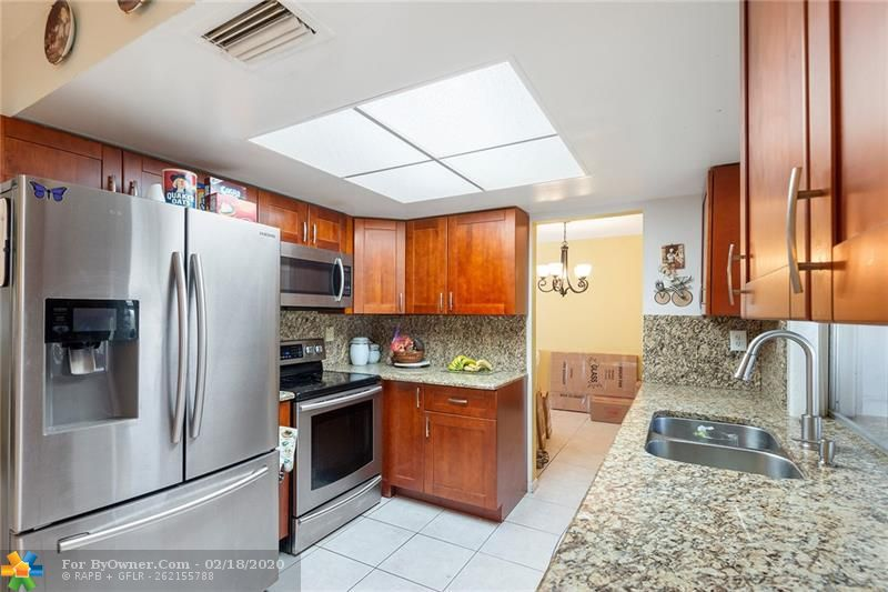 1465 NW 66th Ter, Margate, Florida image 6