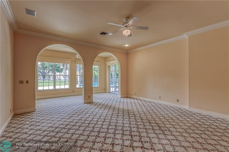 Very open and spacious master bedroom with large sitting area