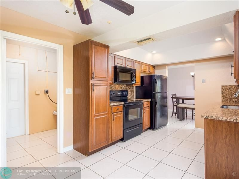 6735 NW 12th St, Margate, Florida image 15