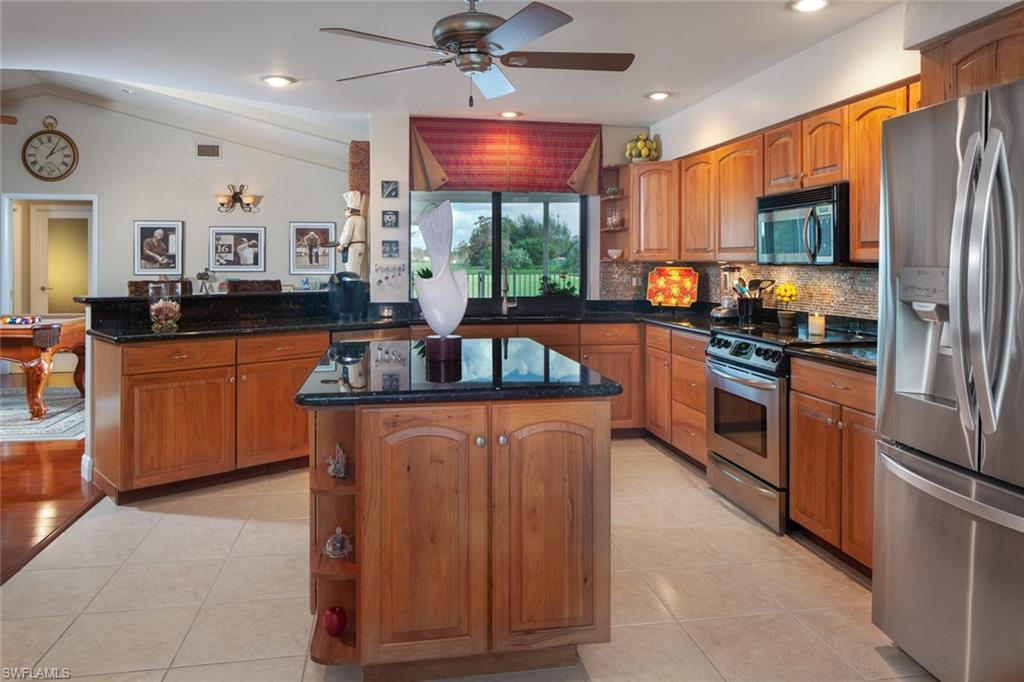 1814 Imperial Golf Course BLVD, NAPLES, Florida image 14