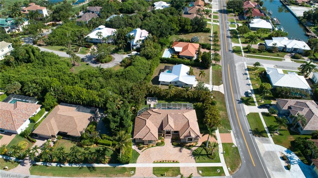 Aerial over front from Colonial Ave