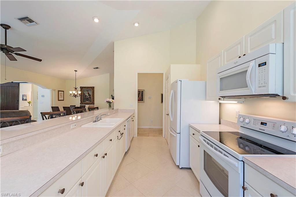 1215 Imperial DR #60, NAPLES, Florida image 9